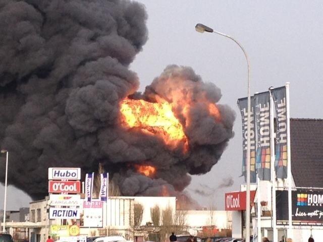 In Oostende is op 13 februari 2013 een brand ontstaan op het dak van de babywinkel Prémaman, dit is te wijten aan dakwerken die werden uitgevoerd.
